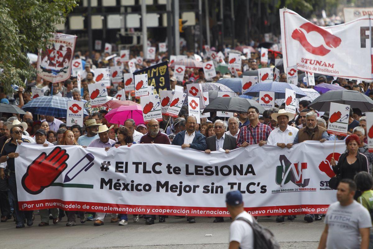 Miles de mexicanos protestan contra el TLCAN