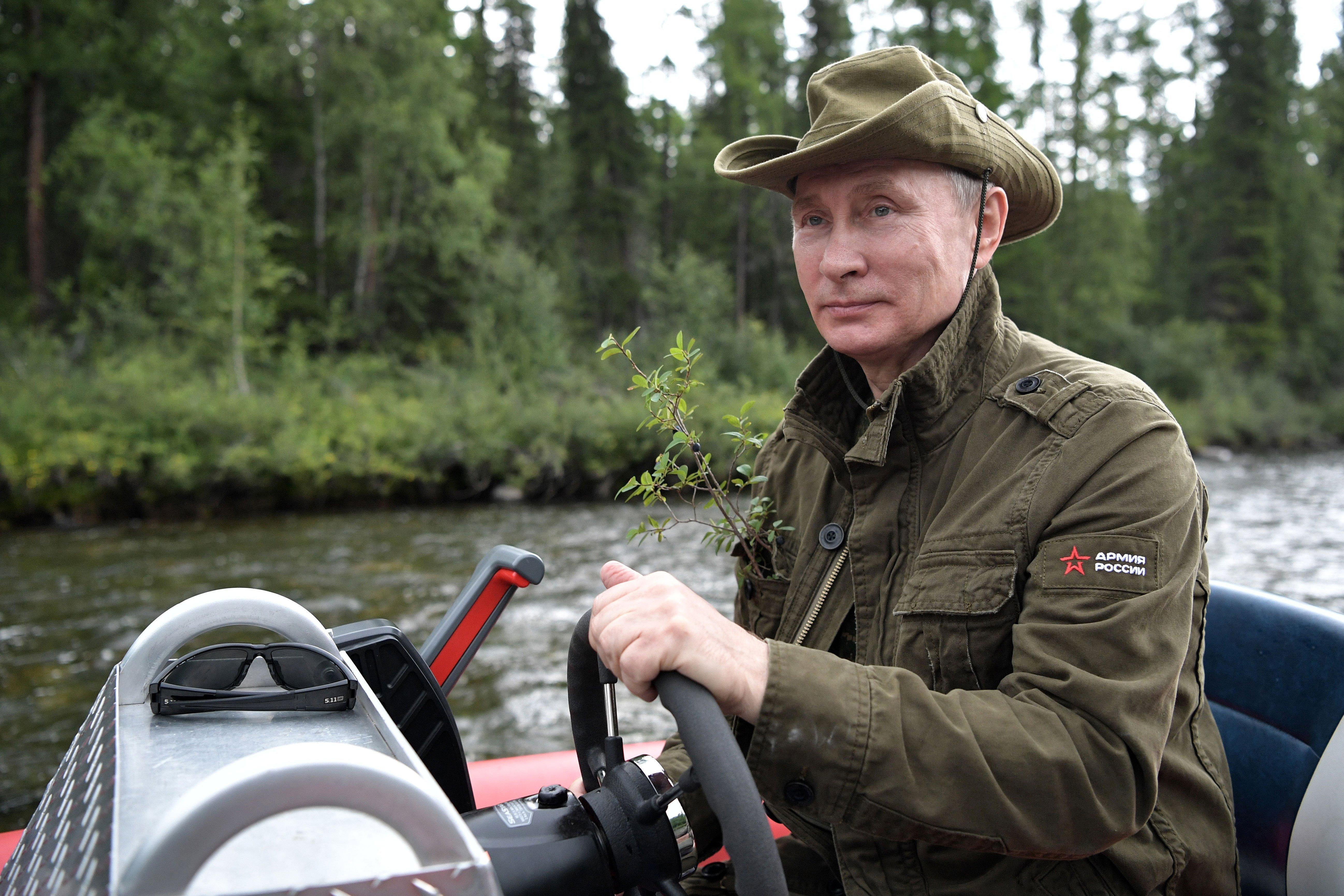 El presidente de Rusia se fue a pescar a tierras siberianas