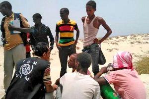 Obligan a 120 inmigrantes arrojarse al mar en Yemen; mueren 29 adolescentes