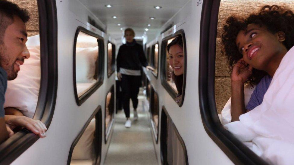 Cómo es el autobús que pretende sustituir los vuelos de media distancia en EEUU