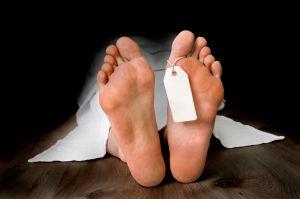 Sus hijos la dan por muerta, pero comenzó a llorar en la funeraria
