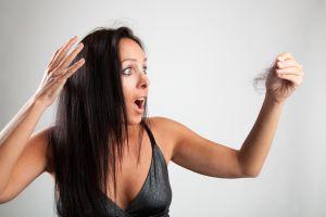 ¿Podemos sufrir caída del cabello luego de padecer COVID-19?
