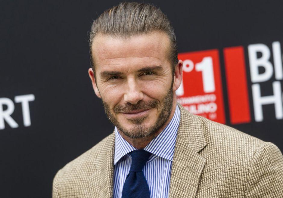 David Beckham revoluciona las redes por su escapada playera con Elton John