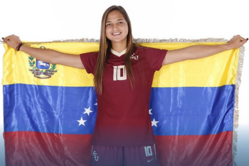 Charlyn Corral y Deyna Castellanos dan positivo a COVID-19 y se perderán la Champions Femenil