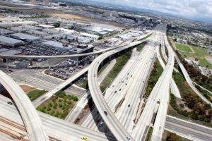 Autopistas vacías por coronavirus: más conductores multados por manejar a alta velocidad