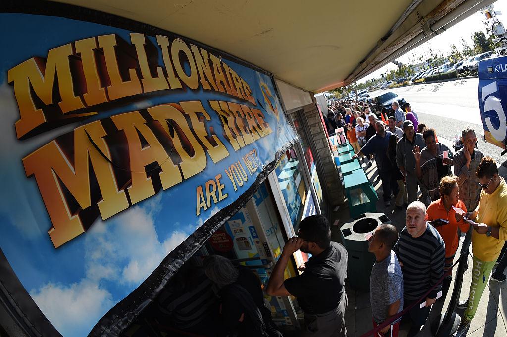 Muchos jugadores prefieren comprar boletos en las tiendas que ganan premios.