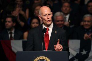 Rick Scott sugiere considerar militares de EEUU para enviar ayuda a Venezuela