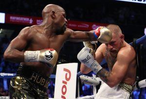 ¿Prepara regreso? Floyd Mayweather hace sparring y se burla de McGregor al recordar su pelea