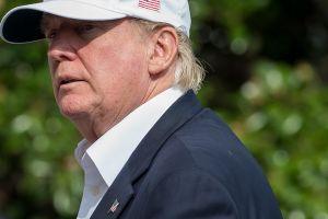 """Trump no quiere otro """"Katrina"""" y promete respuesta eficaz al catastrófico paso de Harvey"""