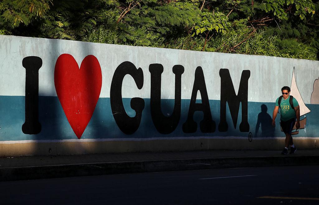 """Gobernador de la isla de Guam afirma estar """"preparado para lo peor"""""""