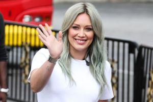 Hilary Duff confiesa que tardó 32 años en aprender a quererse