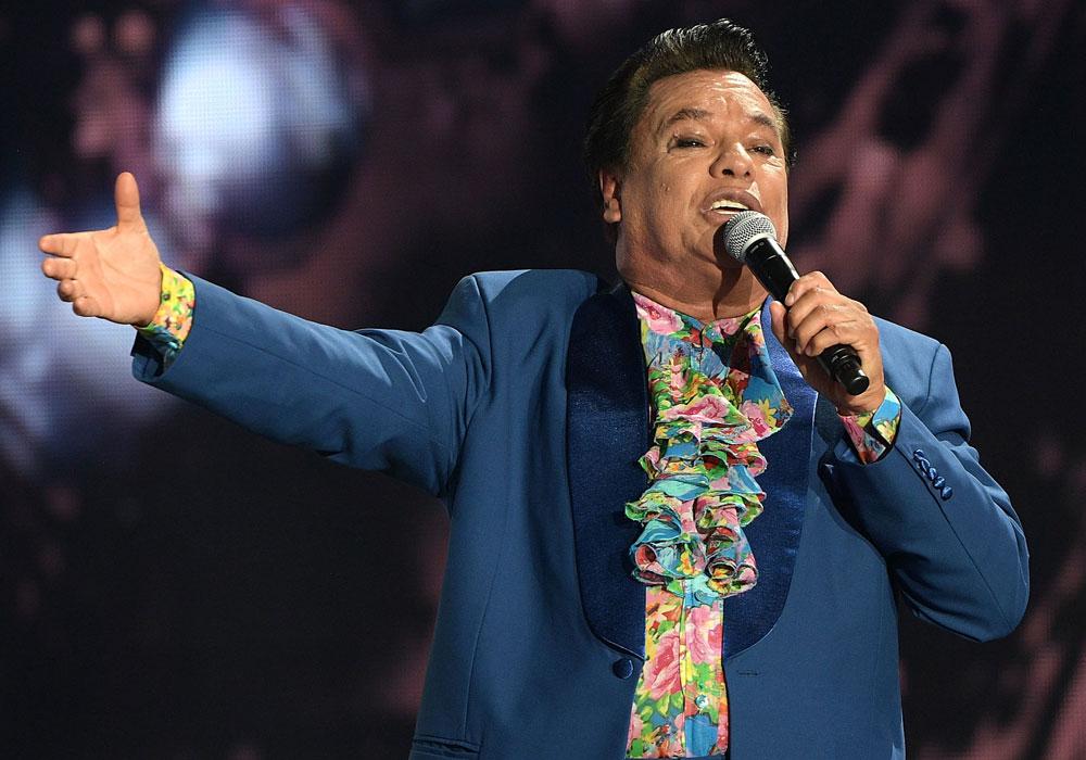Miles apoyan declarar día en honor a cantante Juan Gabriel