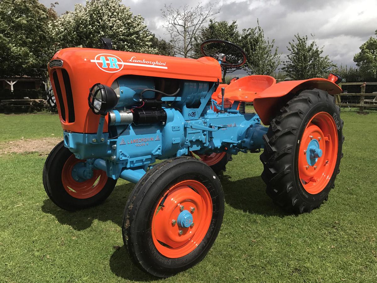 A subasta este tractor Lamborghini