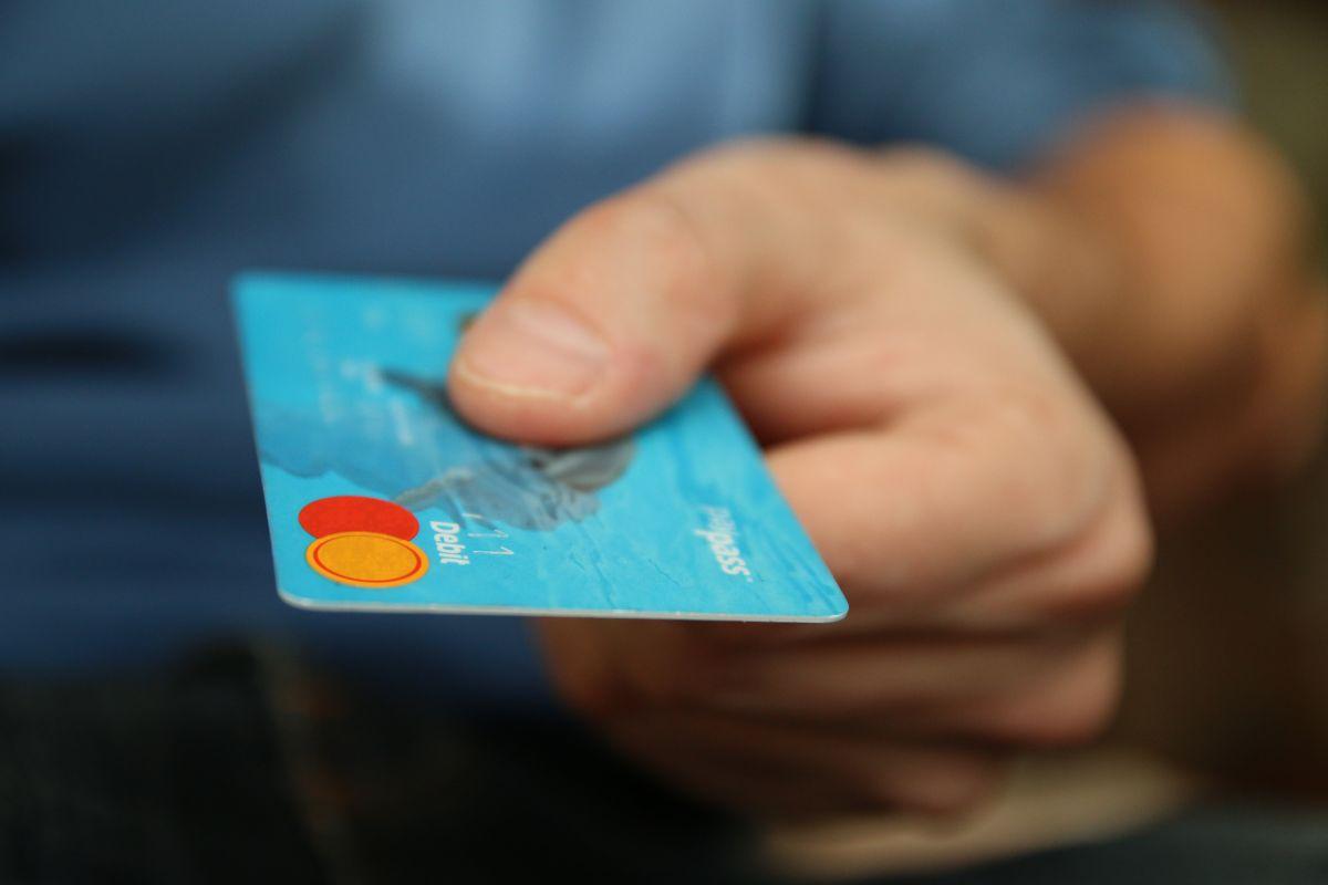 Las personas con deudas son las más atractivas