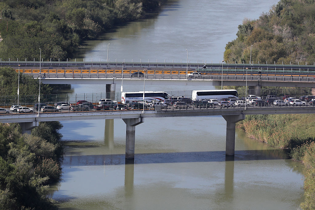 Millones de personas cruzan entre Reynosa,  en México, e Hidalgo, en Texas.