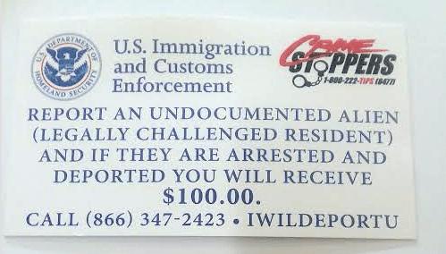 Las tarjetas que ofrecen $100 dólares por cada indocumentado reportado a ICE