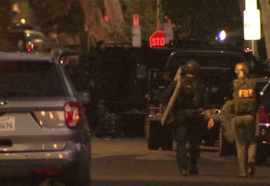 Hombre muere tras enfrentamiento con SWAT y FBI en Los Ángeles