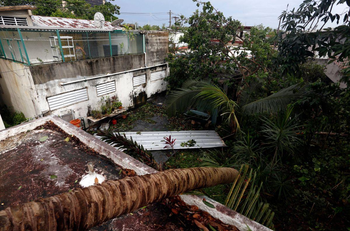 Destrozos en el barrio de Santurce tras el paso del huracán Irma, en Puerto Rico.
