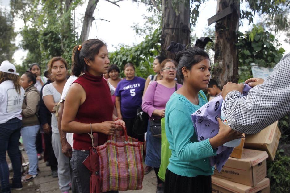 VIDEO: Acusan a gobernador de Morelos de acaparar ayuda para víctimas del sismo