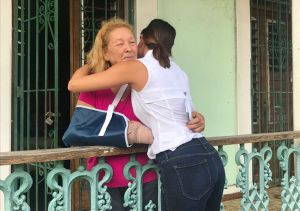 Pamela Silva-Conde viaja a Puerto Rico y encuentra a la madre de Karla Monroig
