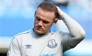 Wayne Rooney es regañado por policía al romper cuarentena junto a jugador que organizó orgía