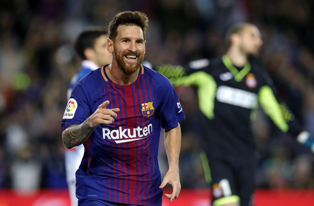 Messi marcó un hat-trick en la goleada de Barcelona al Espanyol