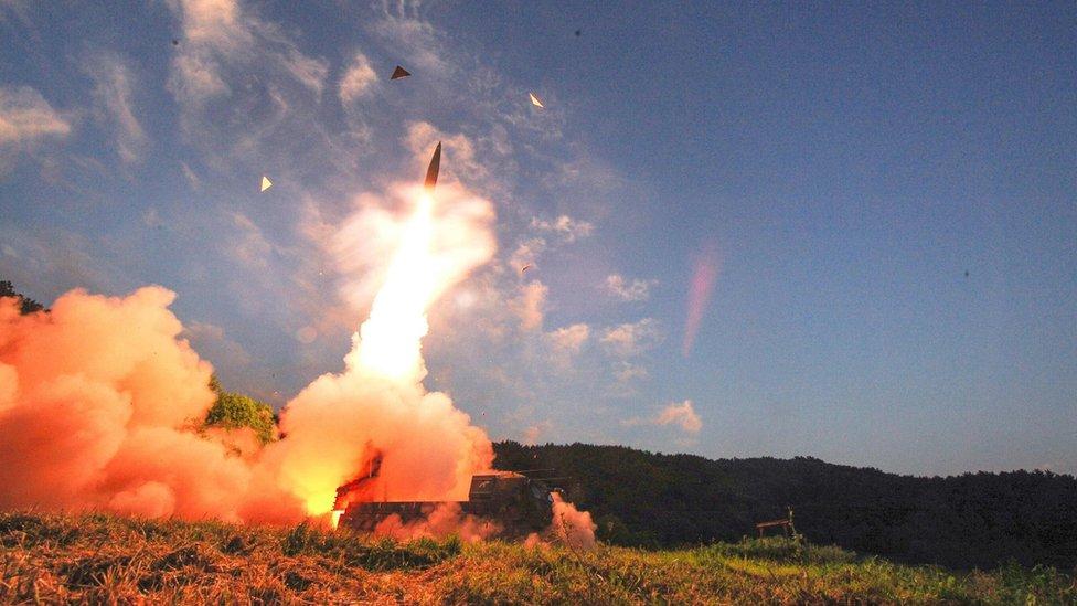 Corea del Sur realiza un simulacro de lanzamiento de misiles hacia Corea del Norte