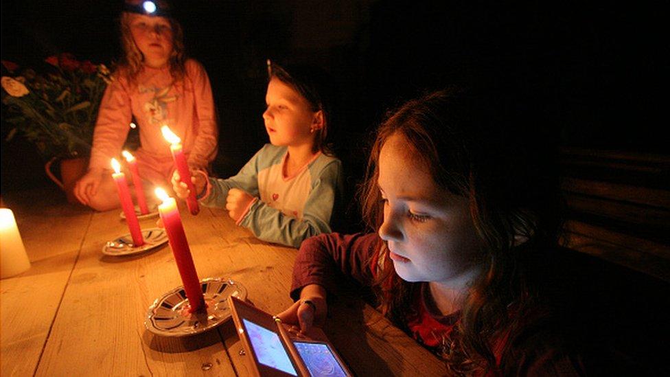 El celular descargado es una de las principales preocupaciones cuando hay emergencias.