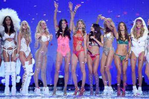 Otro ángel de Victoria's Secret podría desfilar esperando bebé