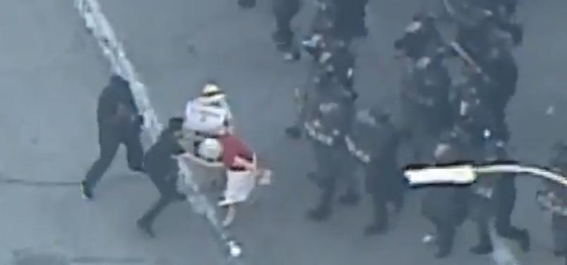 Todo terminó mal para esta mujer durante protesta en St. Louis, MO