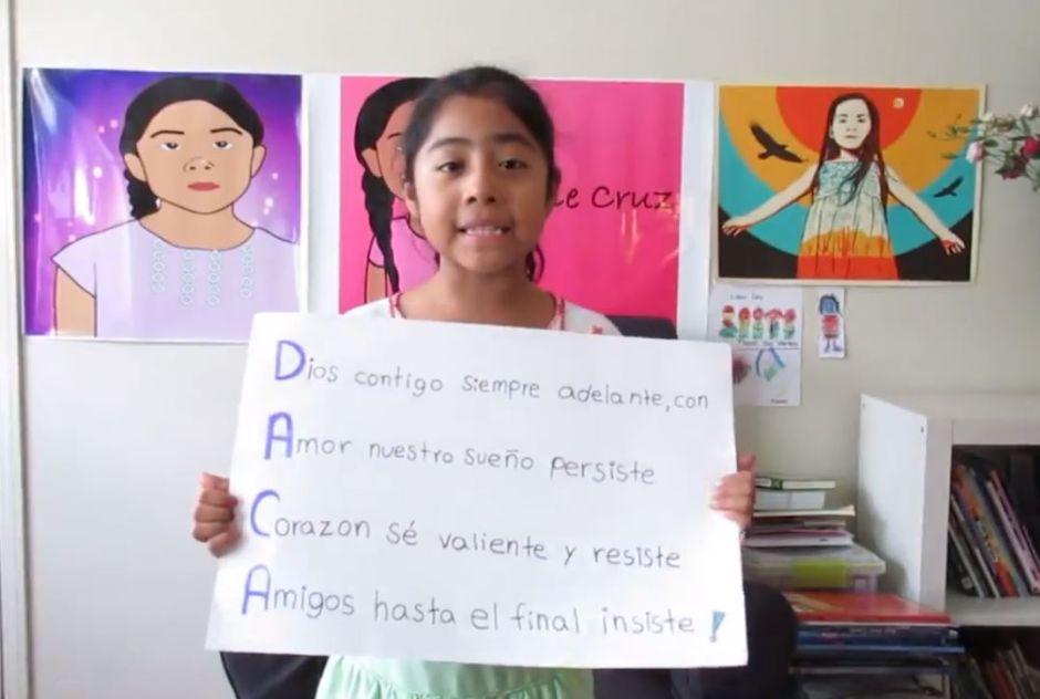 La niña Sophie Cruz pide la supervivencia de DACA