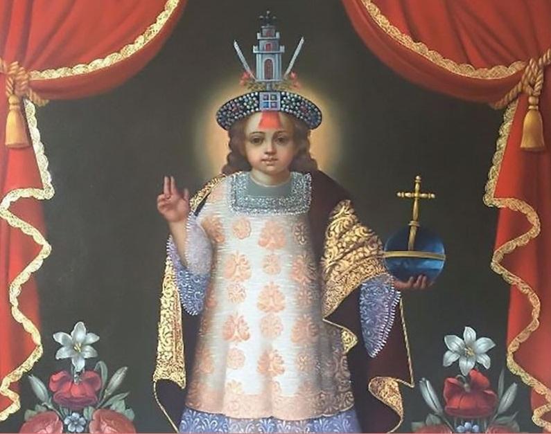 El Santo Niño de la Mascaipacha, Patrón del Cusco y de Los Andes, viste de rey inca y sacerdote católico.