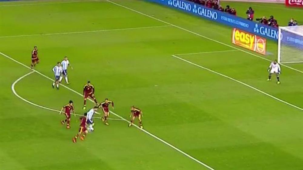 La jugada de Messi, con una captura de la transmisión oficial. Foto: Archivo