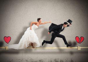 Irrumpe en la boda gritando que está embarazada del novio