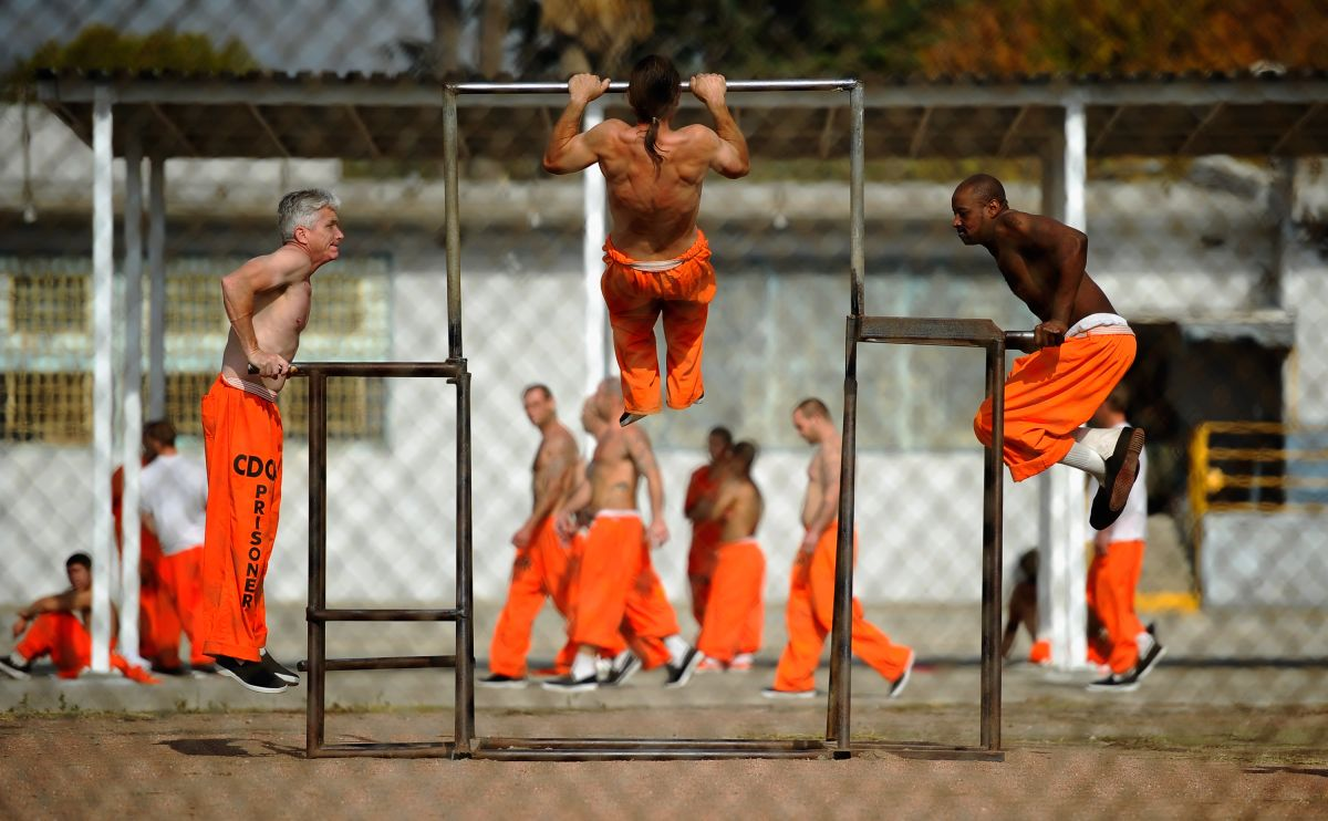 Desde que irrumpió la pandemia, no hay visitas de las familias a sus encarcelados en las prisiones de California. (Getty Images)