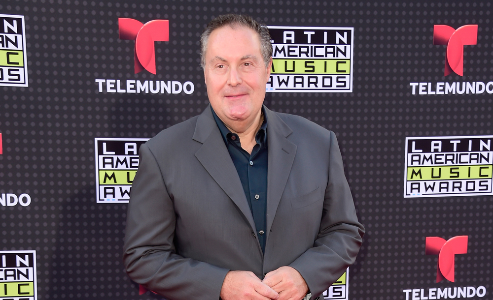 Telemundo y América Móvil se lanzan por la selección mexicana