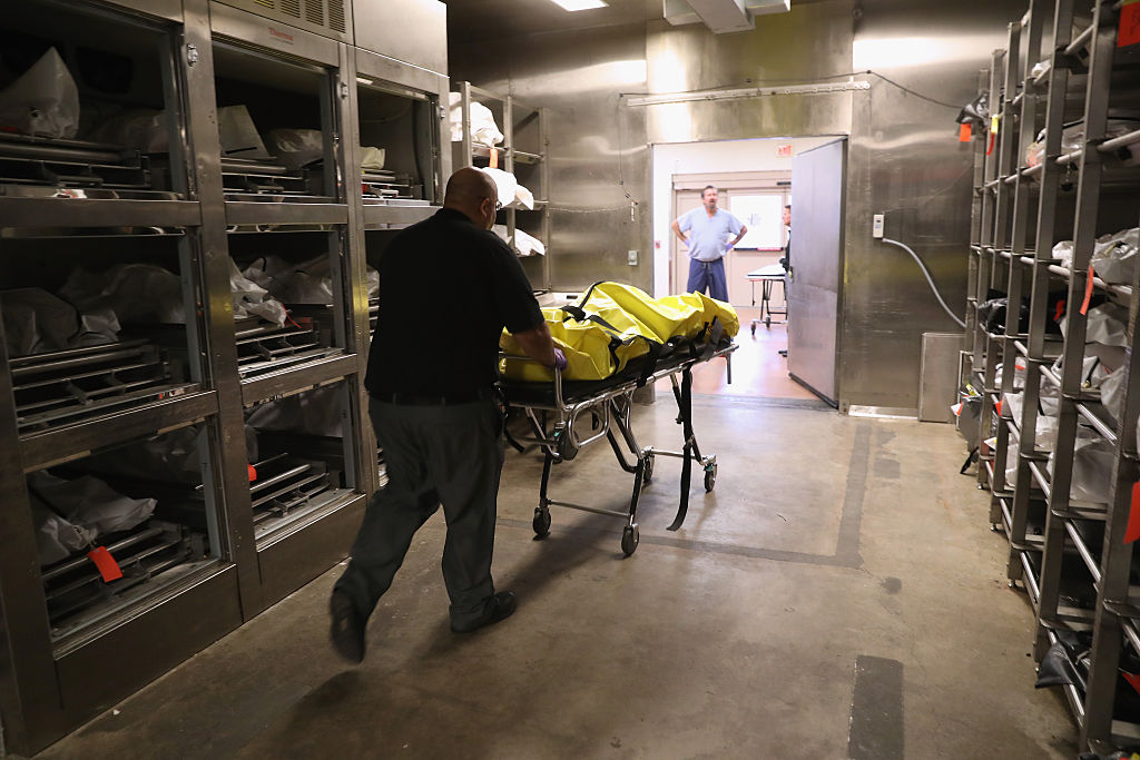 Autoridades del forense esperan que la comunidad ayude en la investigación.