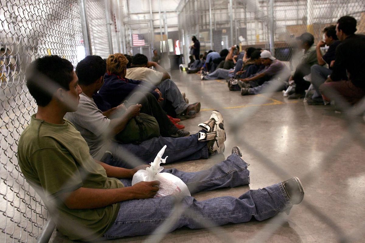 Gobierno de Estados Unidos adeuda $200 millones a inmigrantes por fianzas