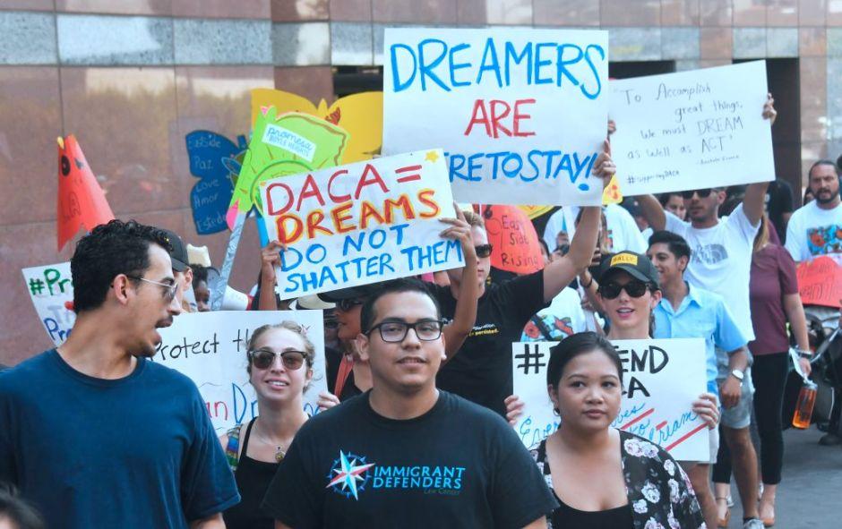 """El """"Dream Act"""" aportaría hasta un billón de dólares a la economía en una década, según estudio"""