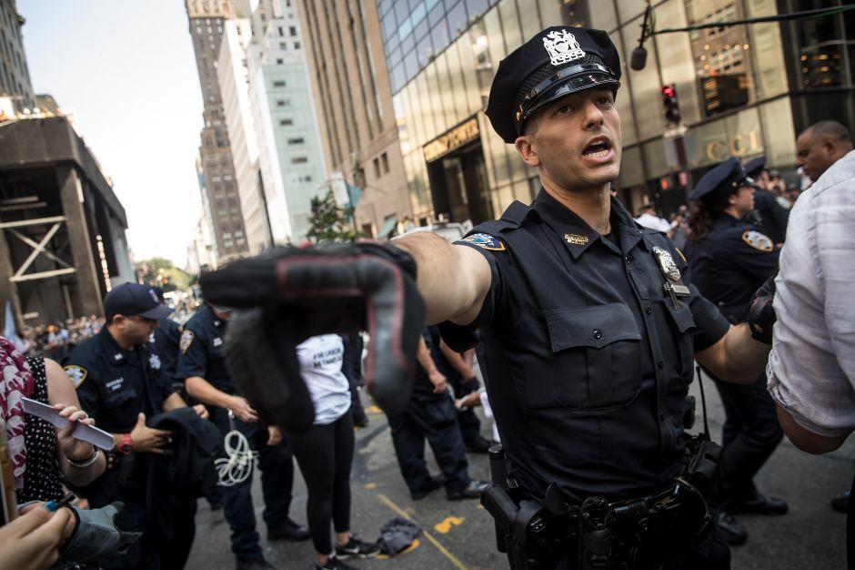 """La """"valiente y arriesgada"""" protesta de Congresistas por defender DACA"""