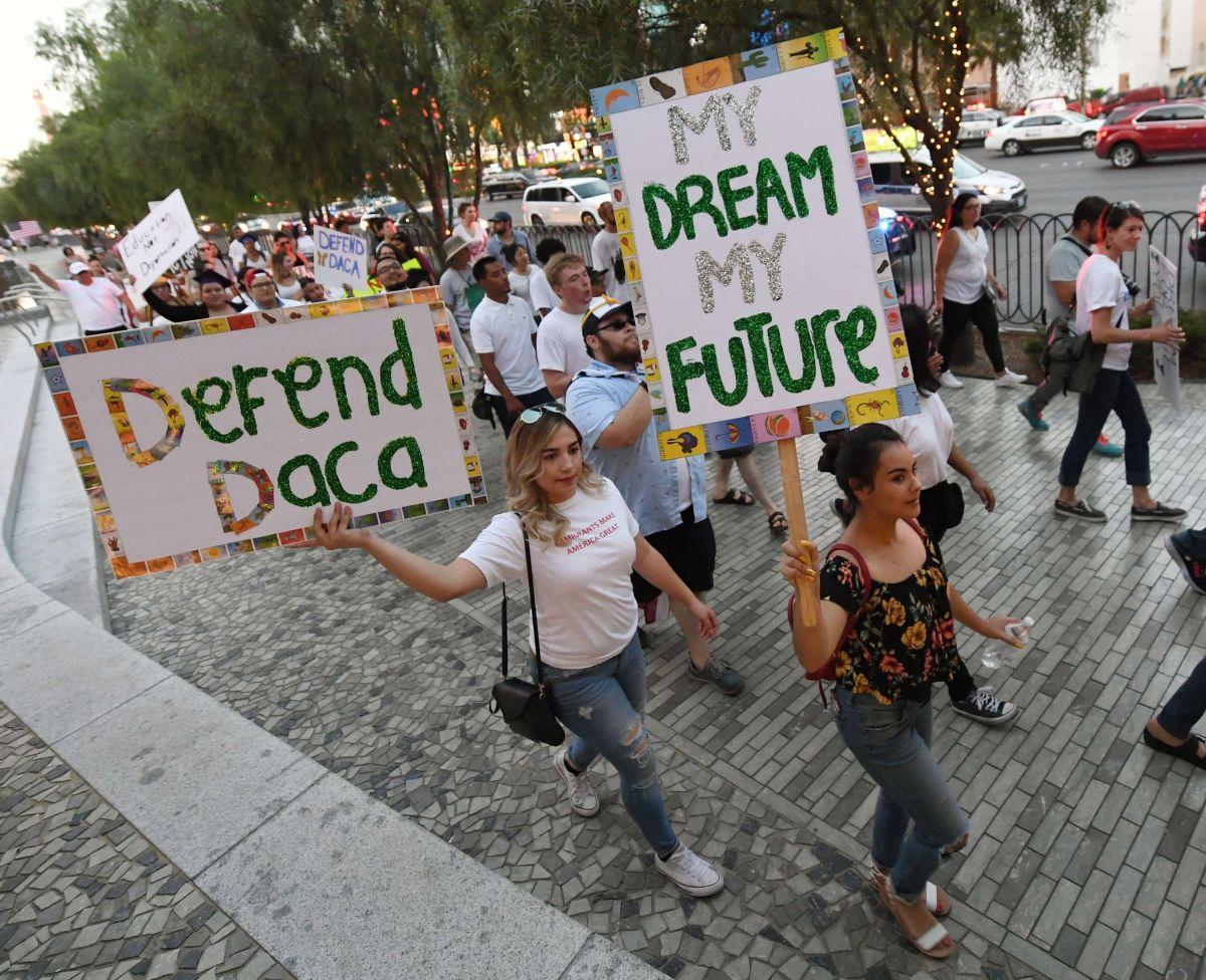 Los jóvenes DACA han salido a las calles para pedir que se mantenga el programa.