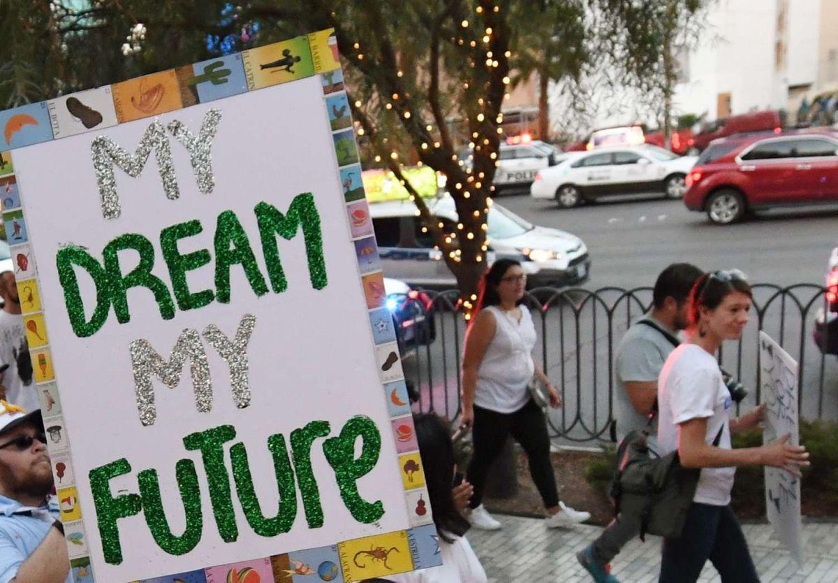 """Editorial: """"Momento crucial para inmigración"""""""