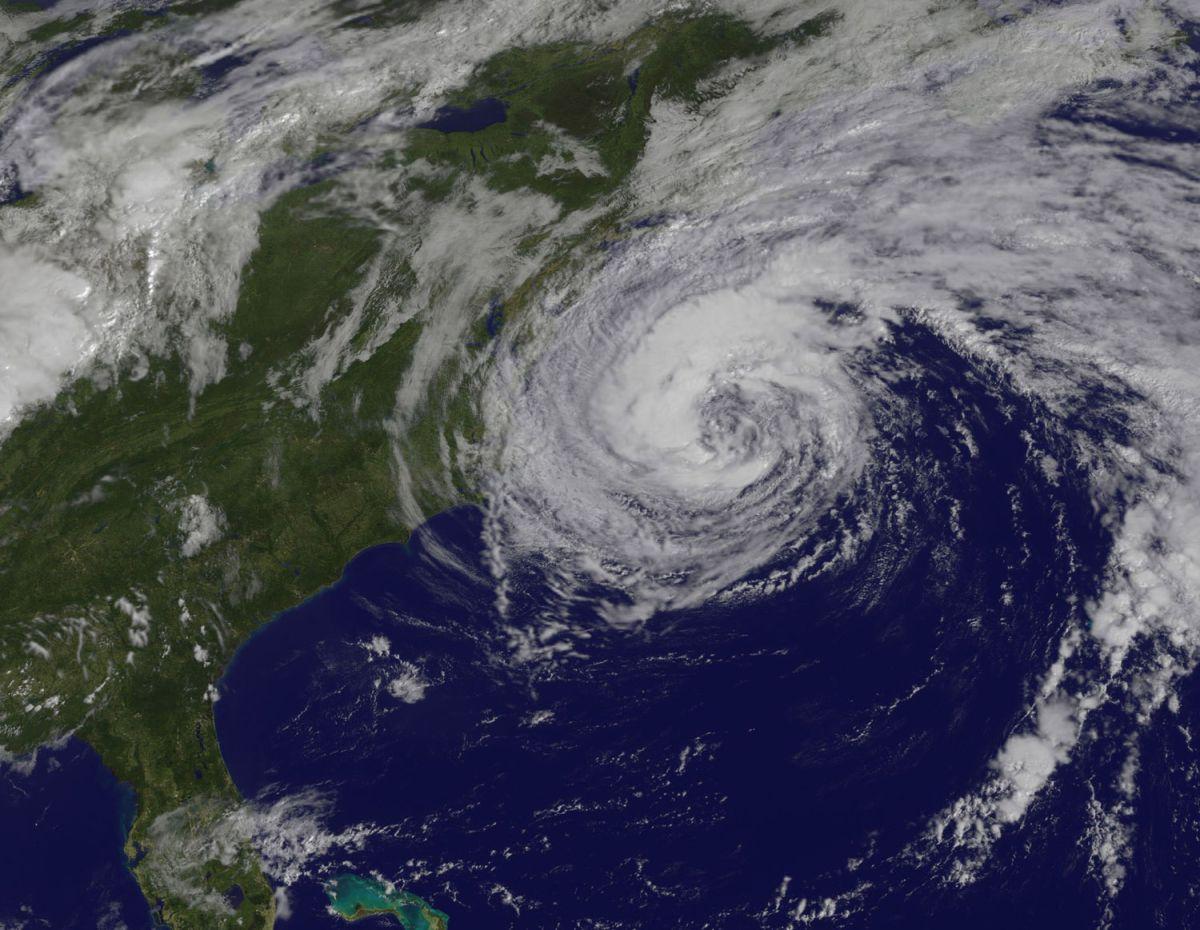 El huracán José en la costa este de EEUU el 19 de septiembre a las 10 am EDT.