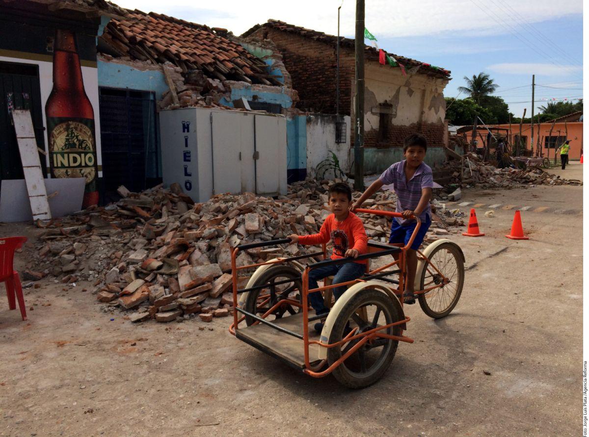 """Entre el """"shock"""" y el hambre, damnificados por terremoto en México claman ayuda"""