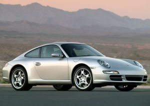 5 autos que te hacen ver como una persona rica... y que cuestan menos de 15K