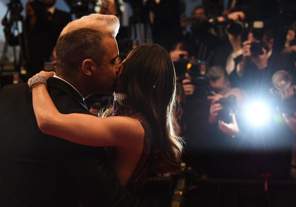 Robbie Williams y su esposa Ayda Field.