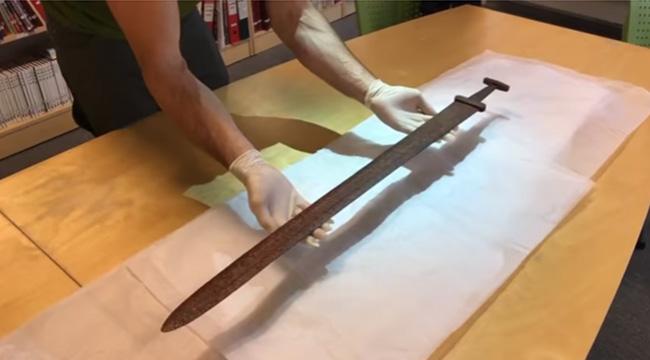 Espada vikinga de hace más de 1000 años.