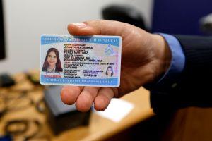 Arizona aceptará tarjetas de identificación consulares como identificación válida