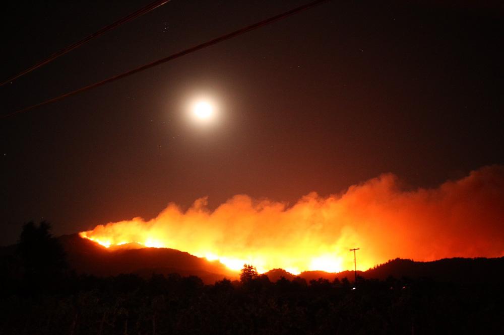 Se declara estado de emergencia en NorCal debido a incendios fuera de control