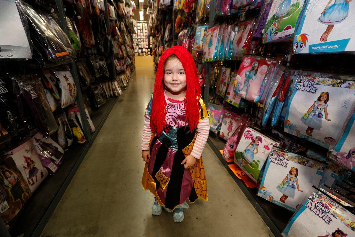 Consejos de seguridad para el Día de las Brujas: disfraces, dulces, lentes de colores